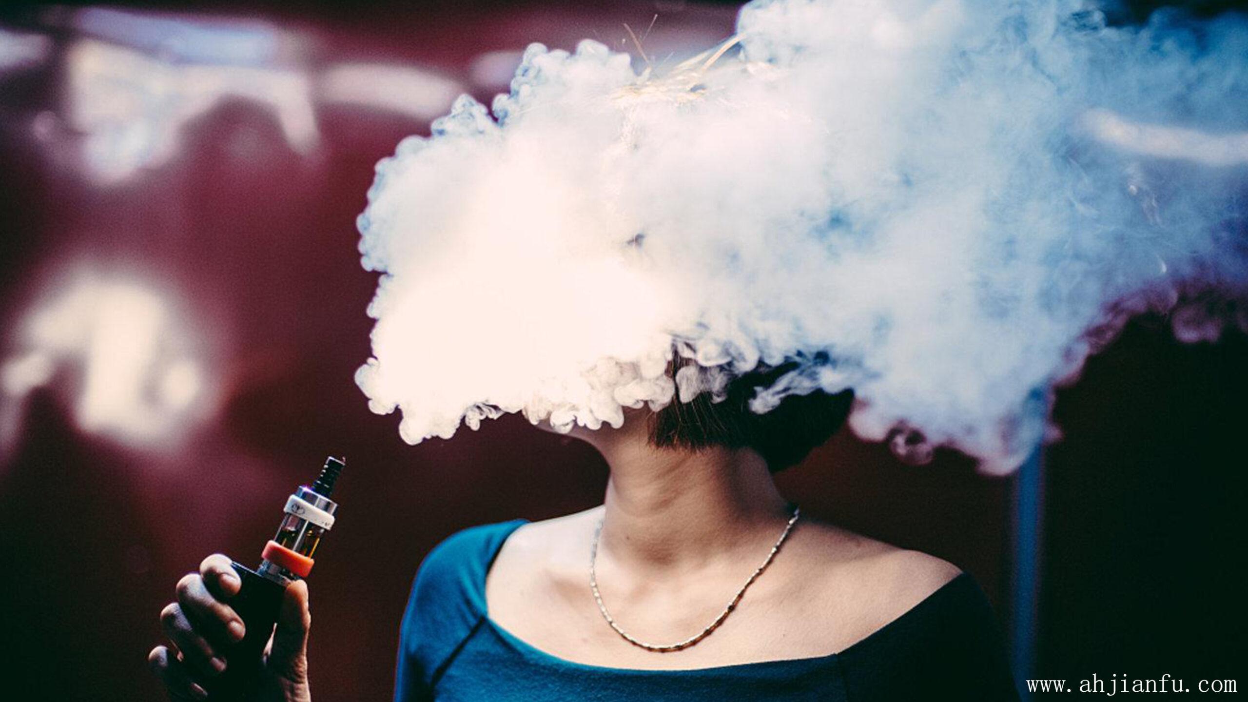 电子烟相比传统香烟到底哪个更危害身体?